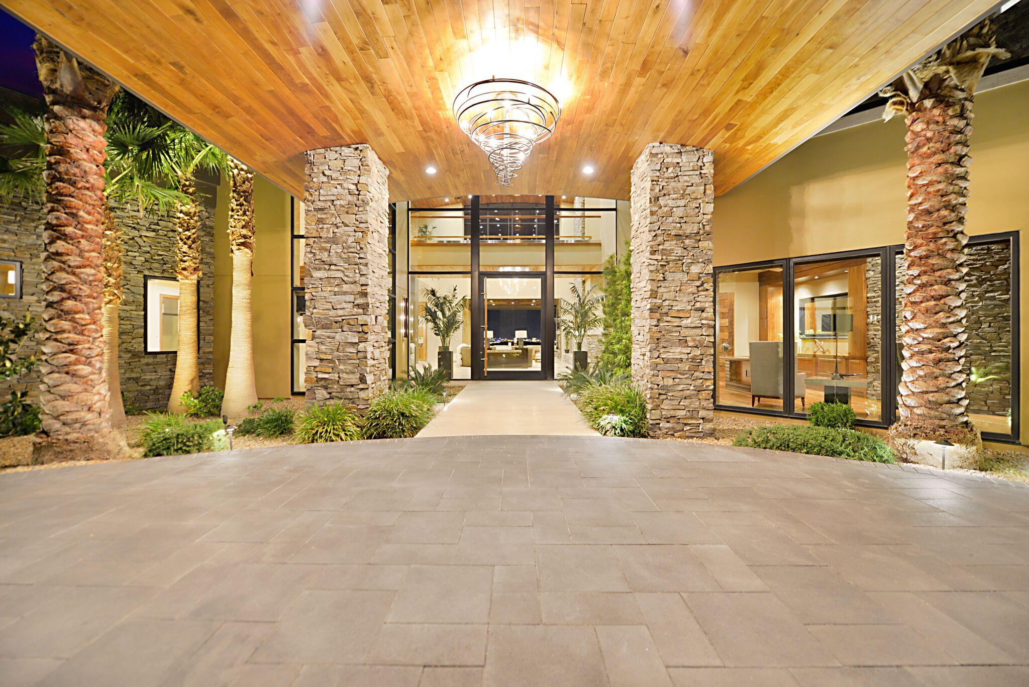 Luxury Real Estate Advisors